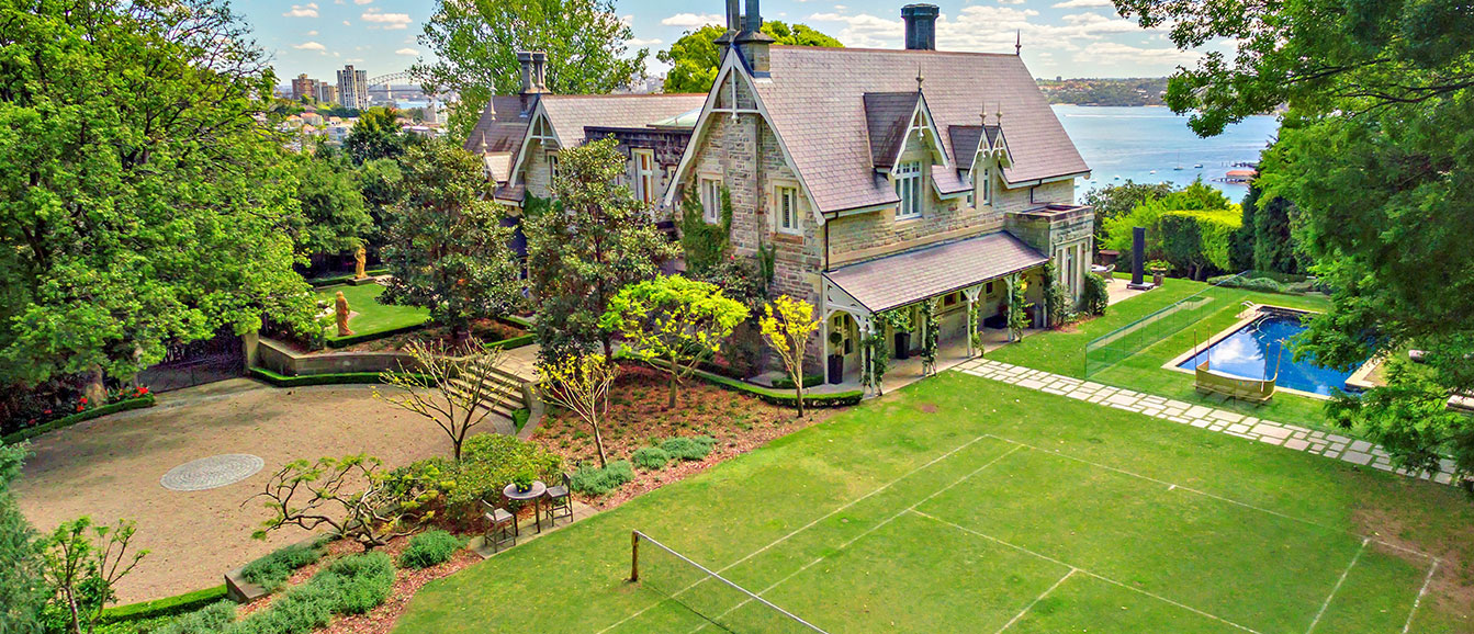 luxury sydney home tennis court