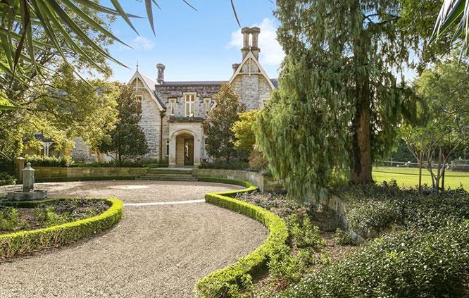 grand driveway sydney mansion