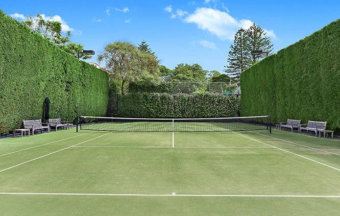 residence with private tennis court